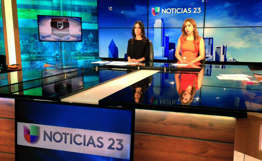 "UTA News en Español partnered with students from The University of North Texas to produce ""#ProyectoU"" at the studios of Univision-Dallas, KUVN. The first edition of ""#ProyectoU"" aired Oct. 4 at 5 p.m. on Univisión-Dallas, Channel 23. Pictured are anchors Katherine Rodriguez (UNT), left, and Mayra Cordova (UTA). (Photo contributed)"
